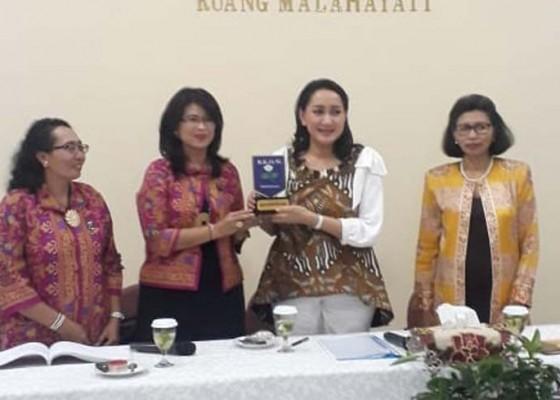 Nusabali.com - kowani-support-bkow-bali-gelar-diklat-caleg-perempuan