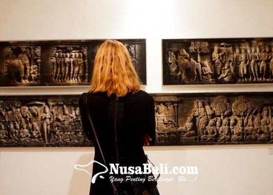 Nusabali.com - borobudur-under-the-full-moon-keindahan-borobudur-di-bawah-bulan-purnama