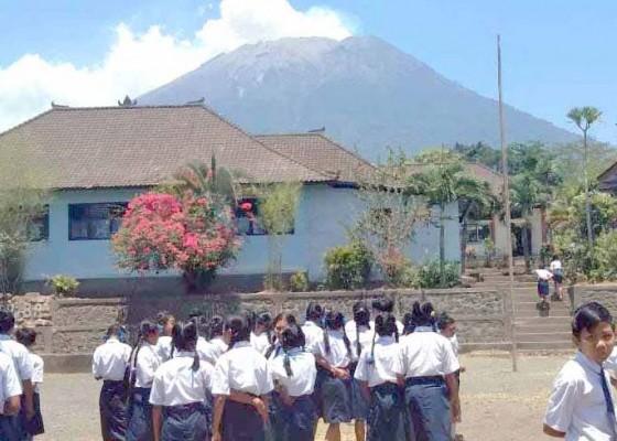 Nusabali.com - kebakaran-hutan-disangka-gunung-agung-erupsi