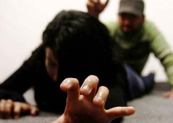 Nusabali.com - terdakwa-dukun-cabul-divonis-5-tahun-penjara