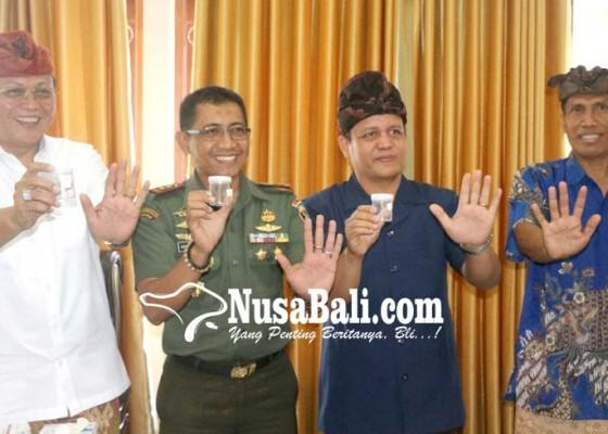 Nusabali.com - sekda-dandim-dan-anggota-dewan-dites-urine