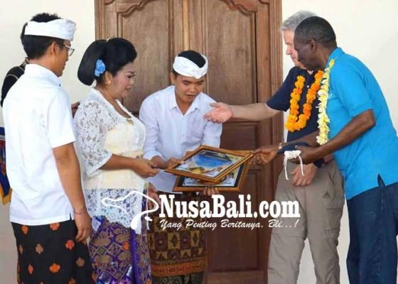 Nusabali.com - kartu-sakti-fao-untuk-bupati-dan-ketua-dewan