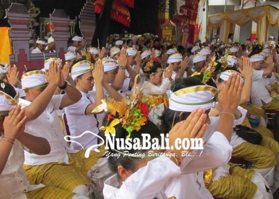 Nusabali.com - banjar-tangerang-gelar-metatah-massal-se-banten