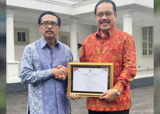 Nusabali.com - bali-raih-penghargaan-keterbukaan-informasi-publik