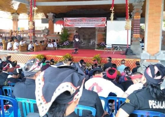 Nusabali.com - tingkatkan-profesionalisme-ratusan-pecalang-jalani-pelatihan