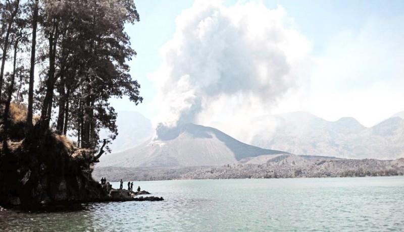 www.nusabali.com-gunung-barujari-meletus-umat-hindu-tetap-mulang-pakelem
