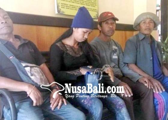 Nusabali.com - nasabah-lpd-serai-datangi-mapolres-bangli