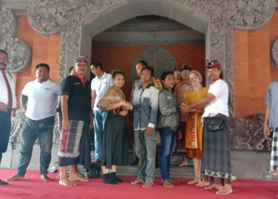 Nusabali.com - amuk-massa-di-wilayahnya-desa-pakraman-padangtegal-minta-maaf