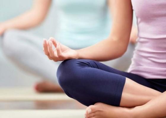 Nusabali.com - yoga-massal-2000-orang-akan-meriahkan-lbf-ke-11