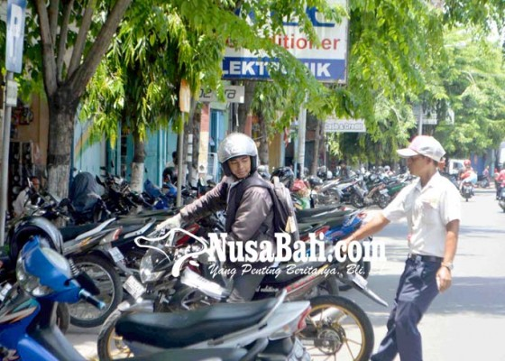 Nusabali.com - retribusi-parkir-ditarget-rp-29-miliar