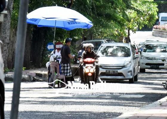 Nusabali.com - bendesa-adat-bantah-11-orang-itu-pecalang