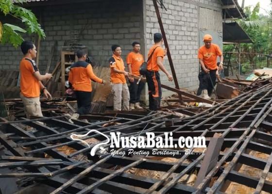 Nusabali.com - 6-rumah-rusak-satu-keluarga-terpaksa-harus-ngungsi