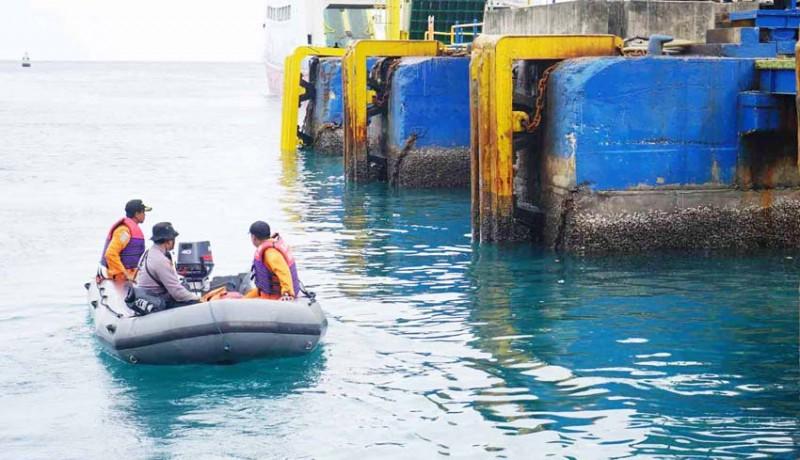 www.nusabali.com-penumpang-kapal-nyemplung-ke-laut