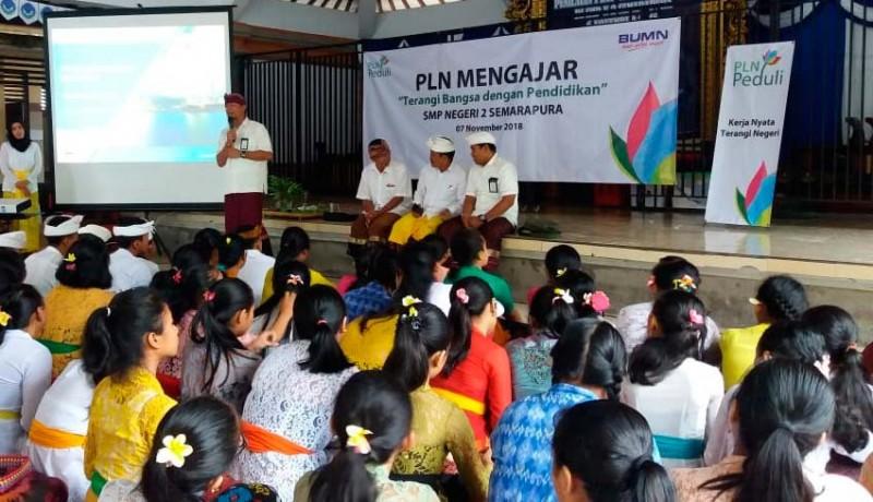 www.nusabali.com-pln-mengajar-di-smpn-2-semarapura