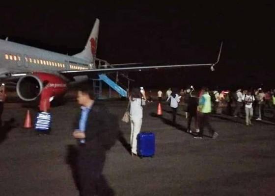 Nusabali.com - lion-tabrak-tiang-bandara