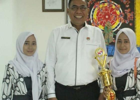 Nusabali.com - mahasiswa-kembar-undiksha-fhis-sabet-juara-nasional