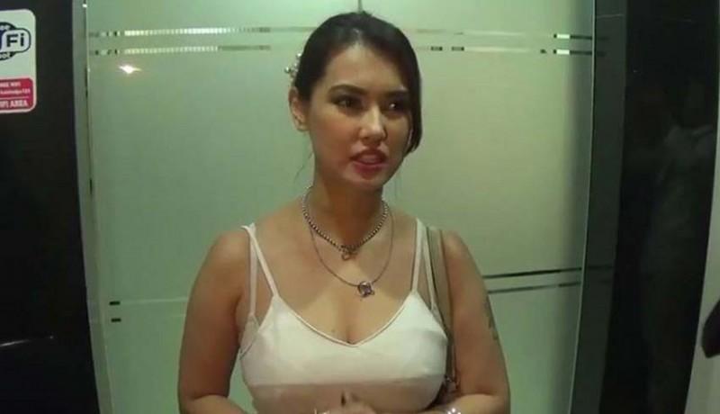 www.nusabali.com-maria-ozawa-diciduk-imigrasi