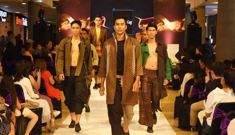 www.nusabali.com-denpasar-hype-fashion-week-meriahkan-spark2ing-anniversary-level-21-mall