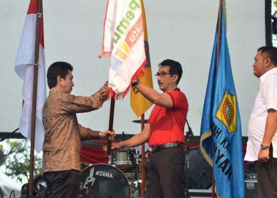 Nusabali.com - disambut-kecak-dan-parade-budaya