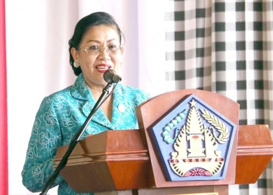 Nusabali.com - cegah-kanker-leher-rahim-putri-koster-gelar-iva-test-dan-sadanis-gratis