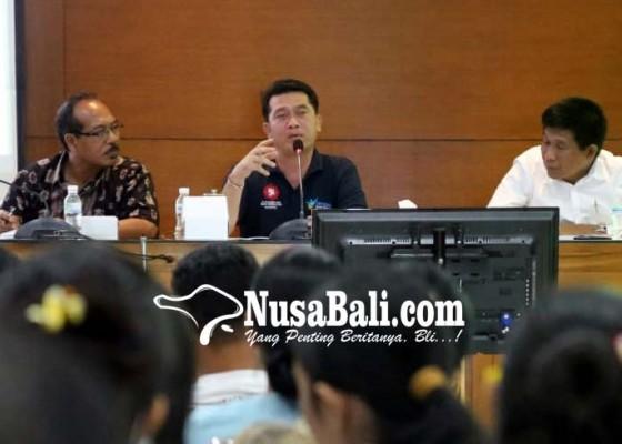 Nusabali.com - bupati-semangati-pegawai-pdam-dan-pdnkk