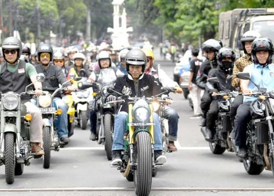 Nusabali.com - presiden-mengikuti-konvoi-sepeda-motor