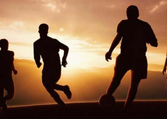 Nusabali.com - timnas-sepakbola-pantai-dipangkas-jadi-14-pemain
