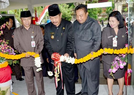 Nusabali.com - tingkatkan-layanan-kesehatan-wagub-cok-ace-resmikan-paviliun-abmec-di-rs-mata-bali-mandara