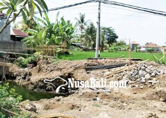 Nusabali.com - proyek-jembatan-pemaron-baru-digarap-2-persen