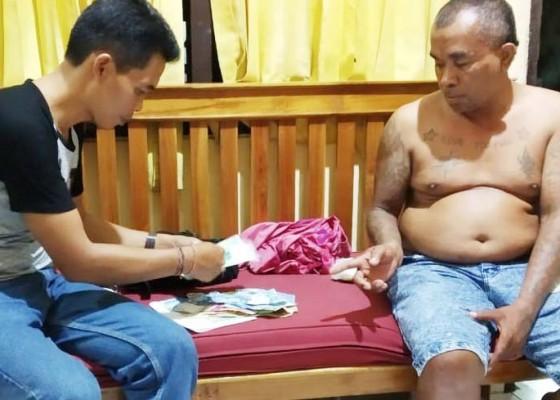 Nusabali.com - memeras-preman-pasar-malam-dibekuk