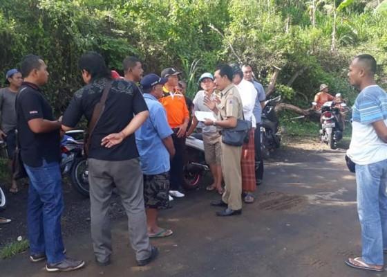 Nusabali.com - warga-protes-pembuangan-sampah-ke-tpa