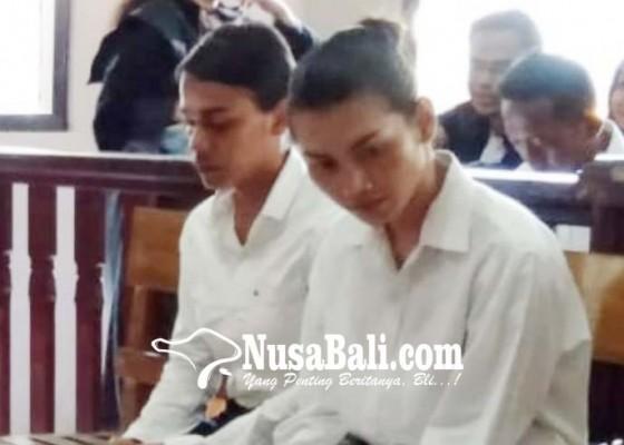 Nusabali.com - keroyok-bule-dua-waria-disidang