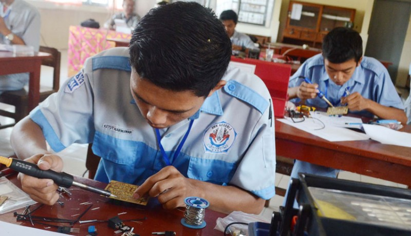 www.nusabali.com-indonesia-focuses-on-developing-vocational-education