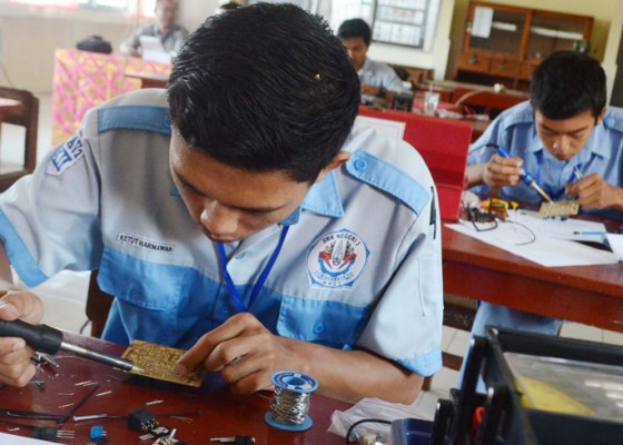 Nusabali.com - indonesia-focuses-on-developing-vocational-education