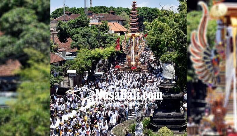 www.nusabali.com-ribuan-krama-iringi-palebon-permaisuri-raja-denpasar-ix