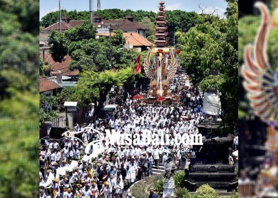 Nusabali.com - ribuan-krama-iringi-palebon-permaisuri-raja-denpasar-ix