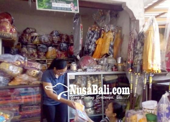 Nusabali.com - penjualan-ornamen-palinggih-masih-sepi
