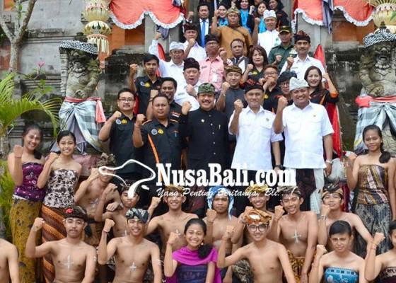 Nusabali.com - bnn-resmikan-7-desa-bebas-narkoba-dan-16-perarem-anti-narkoba-di-gianyar
