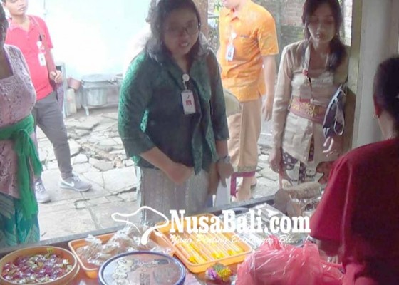 Nusabali.com - bpom-sidak-makanan-pasar-malam-dan-kantin-sekolah-di-jembrana