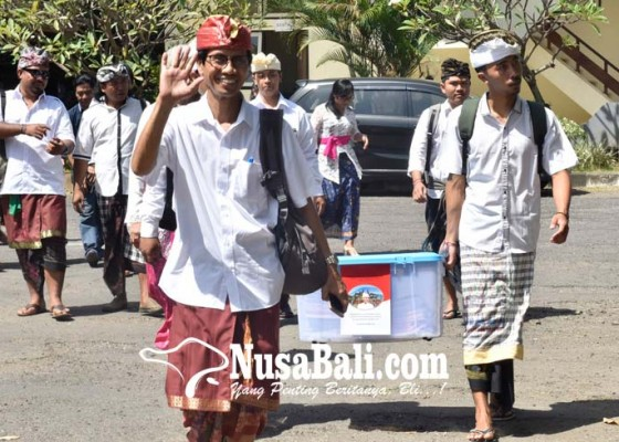 Nusabali.com - kelompok-ahli-era-gubernur-pastika-diberhentikan-cuma-ngastawa-bertahan