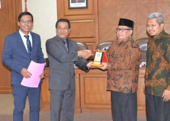 Nusabali.com - ketua-komisi-i-terima-kunjungan-kerja-dprd-kota-surakarta