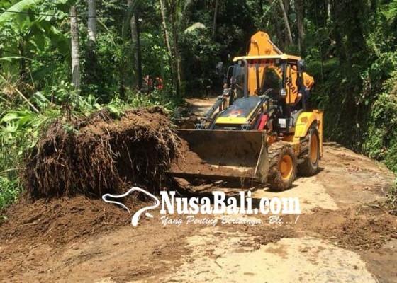 Nusabali.com - jalur-bayad-kenderan-tertimpa-longsor