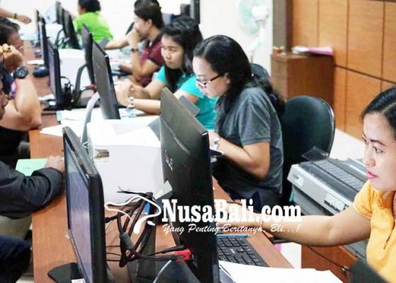 Nusabali.com - pelayanan-e-ktp-kembali-ke-gedung-mpp-amlapura