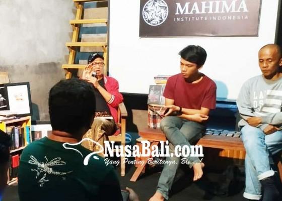 Nusabali.com - buku-antologi-puisi-nuryana-asmaudi-dibedah