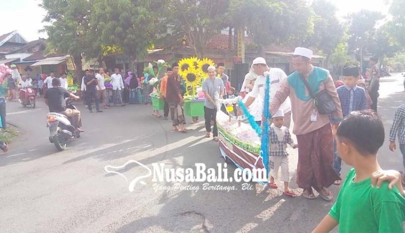 www.nusabali.com-arakan-male-semarakkan-peringatan-maulid-nabi-di-loloan-timur