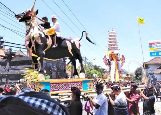 Nusabali.com - diikuti-16-sawa-pitra-yadnya-jero-bendesa-i-gusti-lanang-ungasan