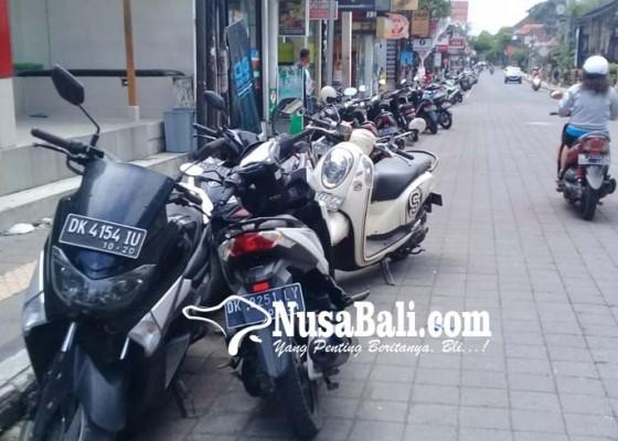 Nusabali.com - pelanggar-parkir-di-ubud-membandel