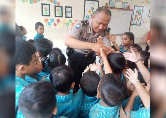 Nusabali.com - polisi-sahabat-anak-sasar-tk-widya-kumara