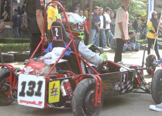 Nusabali.com - mobil-listrik-fakultas-teknik-unud-juara-umum-kompetisi-indonesia-x