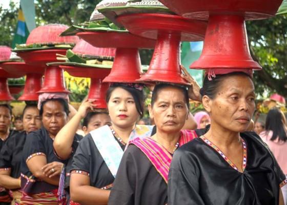 Nusabali.com - tradisi-perang-topat-lingsar